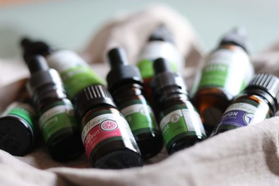 hb-naturals-cbd-huile-essentielle-bio-Jean-Marc-Fraiche-VousEtesUnique.com
